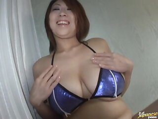 Amateur video of chubby fit together Suzuka Arinaga giving a blowjob